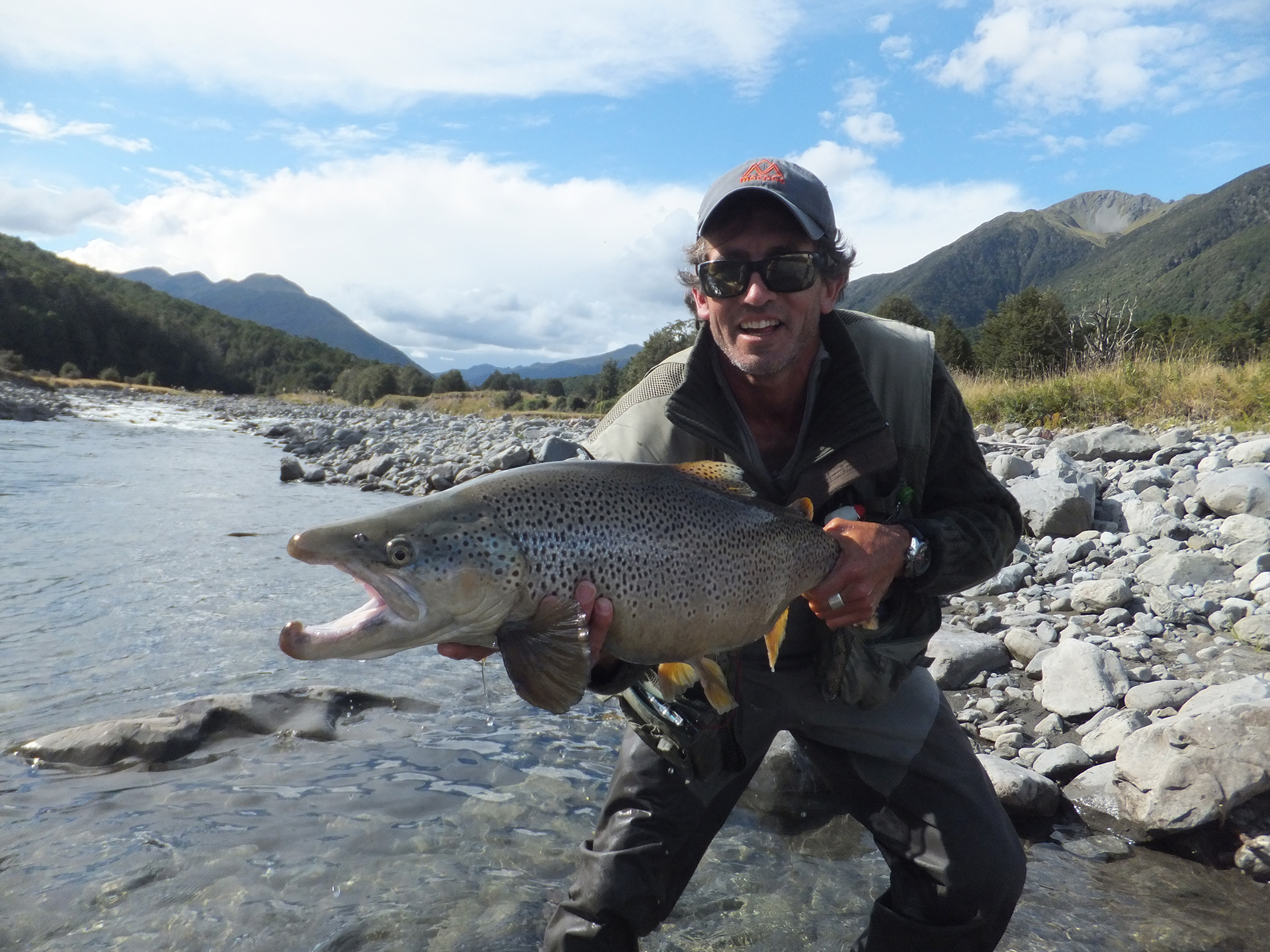 Guided fly fishing trips packages new zealand for Fly fishing news